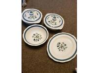 Alfred Meakin serving bowls and dish