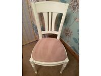 Shabby chic round extendable dining table with 4 chairs