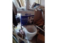 WC pack surplus to newbuild requirements. Aviano close coupled toilet pan, seat and cistern pack