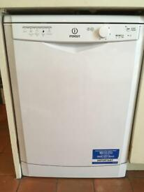 Dishwasher indesit 1 year old perfect condition