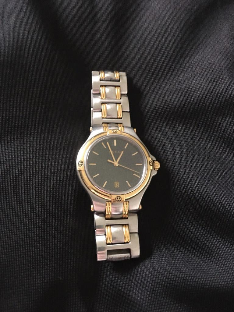 2fb9ba9ee52 Men s Vintage Gucci Watch model 9040M