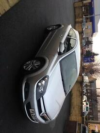 Very clean Astra 1.4 . Full service history and excellent drive.