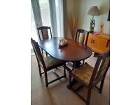 Lovely Oak Rectory Style Table and Chairs