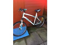 £25 bargain ladies mountain bike,bike,bicycle,mountain bike