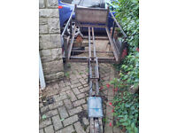 Old Trailer. Very robust with Strong Mini Chassis. Needs new base & sides.