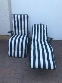 2 Sun loungers in Navy/ White - Great condition