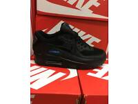 (JIMMY) WHOLESALE MEN'S & KIDS 90s 95s Tns!!! TRACKSUITS POLOS AVAILABLE