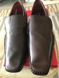 Men's shoes brand new