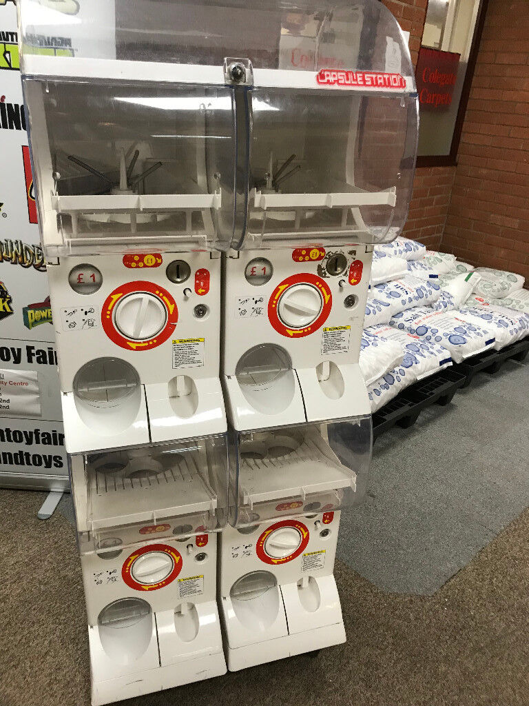 Toy Shop Vending Capsule Machine Gatcha 4 Section Mechanical Machine OLD £1  Coins ONLY   in Taverham, Norfolk   Gumtree