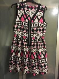 Ladies dresses / skirt