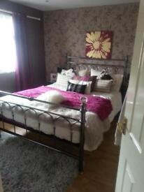 Kingsize metal bed frame with crystals