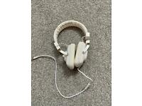 White Wesc Over Ear Headphones (with Wire)
