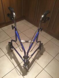 Lightweight folding 3 wheel tri walker