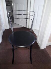 2X dinning chairs