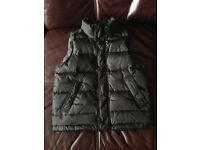 GAP black/grey Gilet Boys 6-7 years RRP £34.99