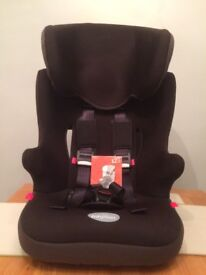 CUGGI Chafinch group 1-2-3 child car seat. used 4 times only excellent condition