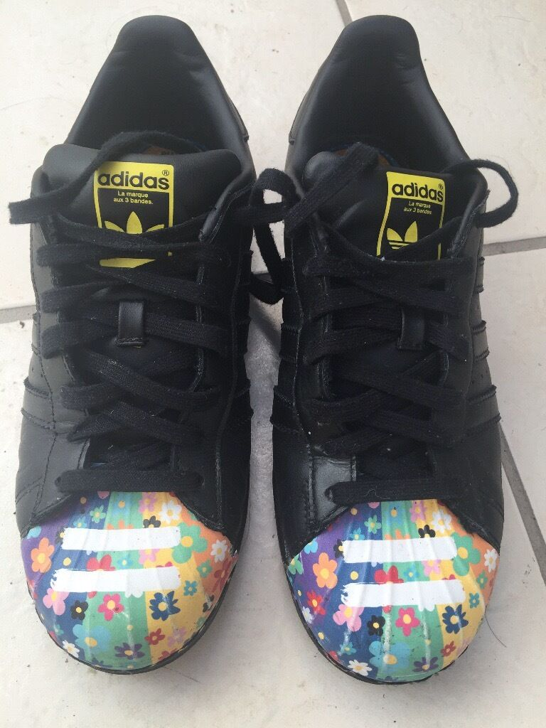 Adidas shoes (Uk size 7.5in Plymouth, DevonGumtree - Sell one not longer use Adidas shoes.They are very good quality.thanks for looking