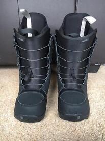 Burton moto black snowboarding boots