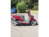 Honda Dylan scooter moped 125cc