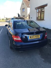 Mercedes Benz c220cdi turbo diesel blue motion efficiency 2013 4 door saloon mot jan tax history