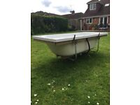 White Acrylic Bathtub excellent condition