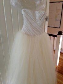 Brand New! White by Vera Wang wedding dress!