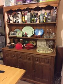 Beautiful Dresser in very good condition
