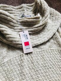New marks and Spencer jumper 18