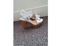 Shoes size 5 and 4