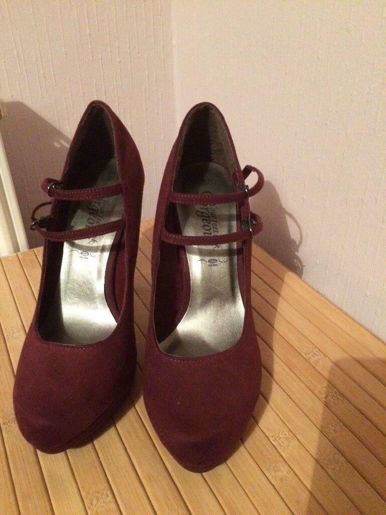 New regal purple coloured seude high heels, size 5