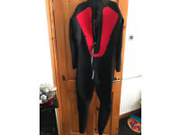 Typhoon mens wetsuit XL Full length Almost as new