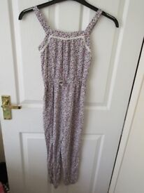 Girls ditsy summer jump suit F&F (8-9 years).