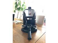 DeLonghi Coffee Machine Espresso & Cappuccino Maker