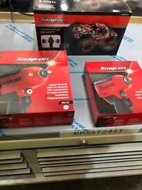 Brand new snap on air impact wrench 3/8 and 1/2 tools
