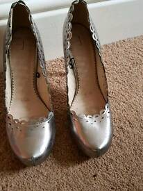 Pewter/Silver Grey high heels - Size 6