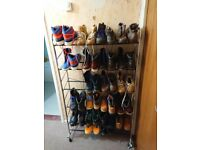 The boots are all size 9 mens boots including Caterpillar, Dockers etc etc.
