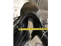 Prestige Saddle Medium 16 inch Black
