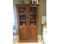 Bookcase / dresser