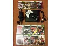 Xbox 360 Slim - 2 Controllers