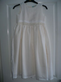 Stunning Sleeveless Party/ Communion/ Wedding/ Flower Girl dress for 7 years from Tigerlily. Worn 1x