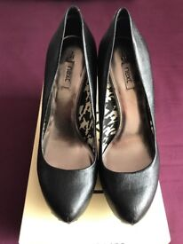 Black 5inch Heels with box. Size 7