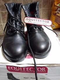 EQUITECTOR YARD AND RIDING BOOTS