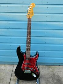 RARE 1995 FENDER SQUIER STRATOCASTER STANDARD, CUSTOM, PLAYS & LOOKS SUPERB!