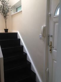 DOUBLE ROOM/DOUBLE BED ZONE 1-4 walking distance to shops and transportations.