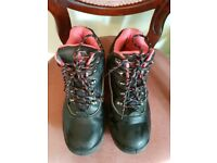 Womens Toe-capped boots Size 6
