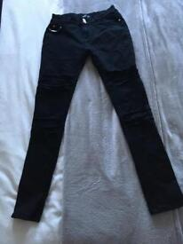 Black ripped skinny jeans size 8