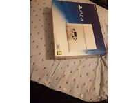 Playstation 4 White (PS4)