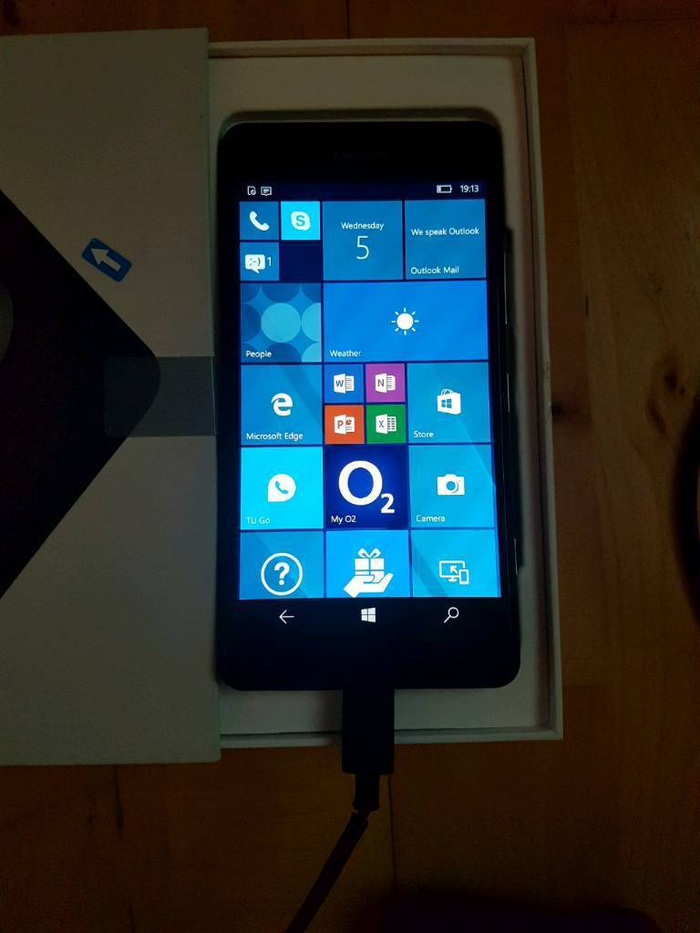 Lumia 950in Liverpool City Centre, MerseysideGumtree - Lumia 950. Windows 10 pc smartphone 11 months old. Immaculate. Boxed with instructions, charger, usb lead, shockproof hardcase and spare screen protector. Used on O2 but think it works on any network not 100% sure. Supports micro sd upto 1tb & 2tb...