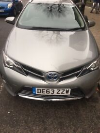 Full service history by Toyota,2 owner,very clean in and out