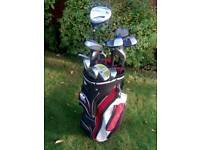 Dunlop golf club bag and selection of left hand clubs